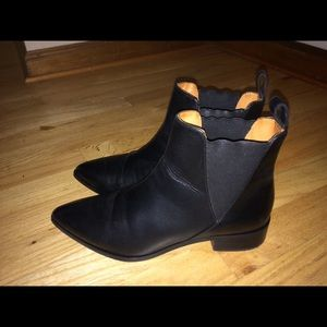 & Other Stories Leather Pull On Chelsea Ankle Boot